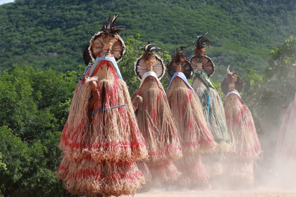Disputa de terras entre índios e posseiros nas terras deJatobá