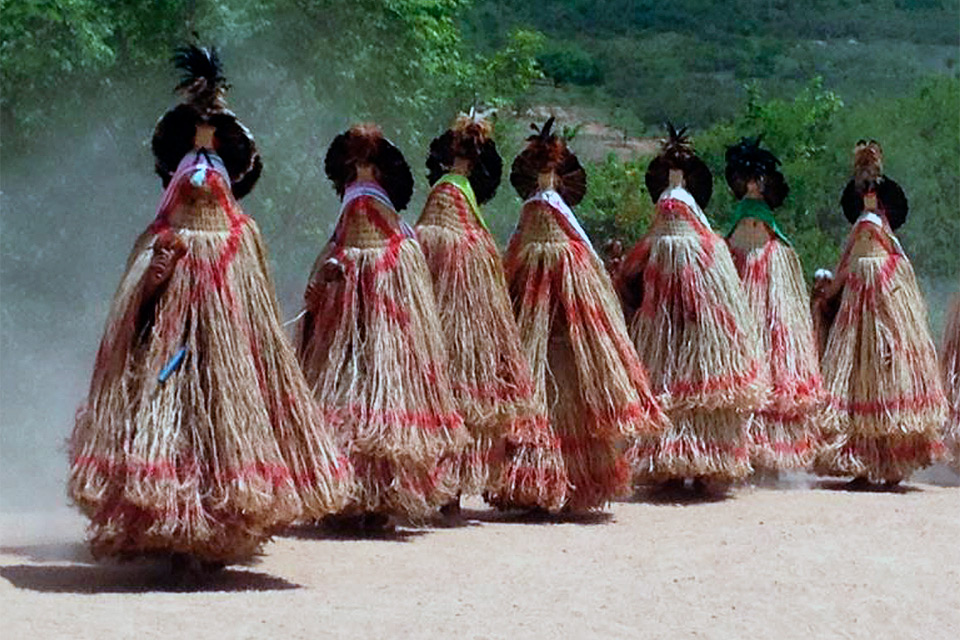 Disputa entre índios e posseiros nas terras deJatobá